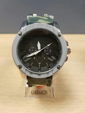 Velké hodinky v ARMY stylu - svìtle zelené maskování