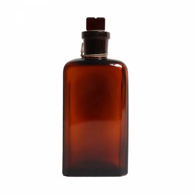 Láhev sklenìná hranatá s broušeným hrdlem 250 ml HNÌDÁ